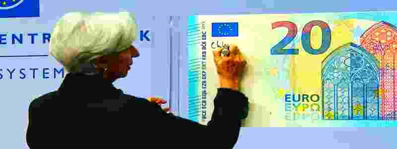 Kaip pasirašomi nauji banknotai? Nauji eurai